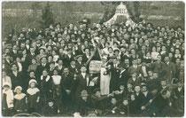 Festveranstaltung od. dgl. im CAFFÈ BENELLI in Arco (Alto Garda e Ledro). Gelatinesilberabzug 9x14cm; R. Kropsch, Photograph in Arco um 1910.  Inv.-Nr. vu914gs00001b