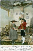 """""""Tiroler Trachten - Sarntal"""". Kombinationsfarbdruck 9 x 14 cm; Impressum: Joh(ann). F(ilibert). Amonn, Bozen um 1900.  Inv.-Nr. vu914kfd00031"""