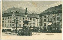 Margarethenplatz (benannt nach Margarethe von Tirol, heute Bozner Platz) in Innsbruck mit Photoatelier von Fritz Gratl im Haus Nr. 1 (rechts im Bild). Lichtdruck 9 x 14 cm ohne Impressum, postalisch befördert 1909.  Inv.-Nr. vu914ld00238
