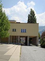 Eingangsbereich zum Kursaal von Hall in Tirol. Digitalphoto; © Johann G. Mairhofer 2013. Inv.-Nr. 1DSC07253
