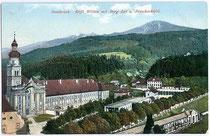 Prämonstratenser Chorherrenstift Wilten, Klostergasse 7 mit Berg Isel und Patscherkofel. Photochromdruck 9x14cm; Impressum: Robert Warger, Innsbruck 1909.  Inv.-Nr. vu914pcd00142