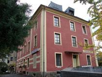 """Pension """"Stoi"""", Salurner Straße 7 in Innsbruck-Wilten, ehemals darin Photoatelier von Karl Dornach. Digitalphoto; © Johann G. Mairhofer 2014.  Inv.-Nr. 2DSC01278"""
