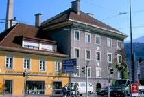 Nordwestansicht der Glockengießerei Grassmayr, ehemals Ansitz STRASSFRIED in Wilten, Leopoldstraße 53. © Johann G. Mairhofer 1998.  Inv.-Nr. dc135fuRA679.1_18