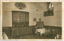 Rathauskeller im Neuen Rathaus, erbaut 1907 in Bozen. Rastertiefdruck 9 x 14 cm; Impressum: Joh(ann). F(ilibert) Amonn, Bozen.  Inv.-Nr. vu914rtd00003