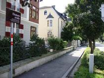Elisabethstraße in Innsbruck-Saggen vom Claudiaplatz aus. Digitalphoto; © Johann G. Mairhofer 2014.  Inv.-Nr. 2DSC00803