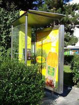 Telefonzelle in der Prinz-Eugen-Straße an der Kreuzung mit Reichenauer und Amraser Straße. Digitalphoto; © Johann G. Mairhofer 2011.  Inv.-Nr. DSC01687