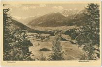 Panorama von Schönberg im Stubaital. Lichtdruck 9 x 14 cm; Impressum: Verlag von Cäsar Berann, Hall in Tirol; postalisch gelaufen 1938. Inv.-Nr. vu914ld00230