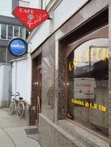 """Café """"RUBIN"""" in Innsbruck, Dreiheiligenstraße.  (c) Johann G. Mairhofer 2012  -  Alle Rechte vorbehaten !"""