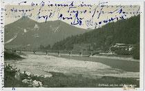 Zollhaus am Inn in Erl, Bezirk Kufstein, Tirol. Gelatinesilberabzug 9x14cm; Impressum: Hans Beckert, Oberaudorf (Bayern); postalisch gelaufen 1930.  Inv.-Nr. vu914gs00557