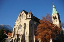 Pfarrkirche zu den Hll. Ingenuin und Albuin  in Innsbruck-Hötting, Schulgasse 2. Digitalphoto; © Johann G. Mairhofer 2014. Inv.-Nr. 2DSC01667
