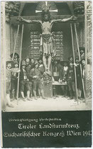 "Das ""Tiroler Landsturmkreuz"" beim Eucharistischen Kongress in Wien 1912. Gelatinesilberabzug 9x14cm; Paul de Freres, Wien, Rotenturmgasse 31.  Inv.-Nr. vu914gs00283"