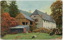 Gehöft in Kirchbichl, Bezirk Kufstein, Tirol. Farboffsetdruck 9x14cm; kein Impressum; postalisch gelaufen 1923.  Inv.-Nr. vu914fod00002