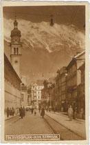 Palais Riccabona (heute Landesdirektion der Generali Versicherung, Wien), Maria-Theresien-Straße 53 (rechts) und gegenüber das Servitenkloster. Gelatinesilberabzug 9x14cm; kein Impressum um 1920.  Inv.-Nr. vu914gs00479