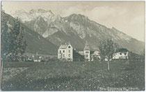 Ansitz Neu-Spauregg in Absam mit Gleirsch-Halltal-Kette im Karwendel. Gelatinesilberabzug 9 x 14 cm ohne Impressum um 1920.  Inv.-Nr. vu914gs00047