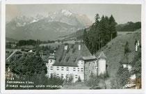 Schloss ROSENEGG in Fieberbrunn gegen Kaisergebirge. Gelatinesilberabzug 9 x 14 cm; Impressum: Adolf Künz, Innsbruck, Anichstraße 32, um 1930.  Inv.-Nr. vu914gs00510