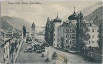 Ansitz Liebburg (heute Rathaus) am Kaiser-Josef-Platz (heute Hauptplatz) in Lienz. Heliogravüre 9 x 14 cm ohne Impressum, um 1900.  Inv.-Nr. vu914hg00003