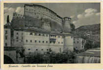 Ehemalige Kaiserjägerkaserne (heute Ital. Kriegsmuseum) am Torrente Leno (dt. Leimbach) in Rovereto. Lichtdruck 10 x 15 cm; Impressum: Ediz. Plazzer, Rovereto um 1930.  Inv.-Nr. vu105ld00004