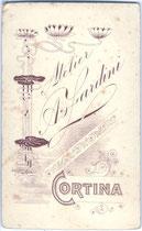 Rückseitenaufdruck mit Jugendstildekor von Inv.-Nr. vuVIS-00005
