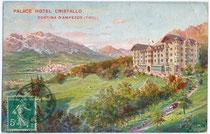 """Palace Hotel """"Cristallo"""" in Cortina d'Ampezzo, erbaut im Heimatstil mit Jugendstildekor. Farbautotypie 9 x 14 cm; Impressum: Richter & Co., Napoli; postalisch gelaufen 1911.  Inv.-Nr. vu914fat00037"""