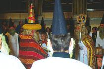 Impressionen vom Ankloepfeln in Stans bei Schwaz im Advent 1990. Farbdiapositiv 24x36mm; (c) Johann G. Mairhofer - Alle Rechte vorbehalten !  Inv.-Nr. DC-135-KD-5009.03_24