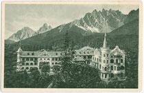 Wildbad Innichen im Hochpustertal (1.339 m), im Neorokokostil 1900 erbaut. Rastertiefdruck 9 x 14 cm ohne Impressum um 1910.  Inv.-Nr. vu914rtd00005