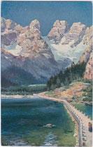 Lago di Landro / Dürrensee und Cristallo. Farbautotypie 9x14cm; Joh(ann). F(ilibert). Amonn, Bozen um 1910.  Inv.-Nr. vu914fat00020