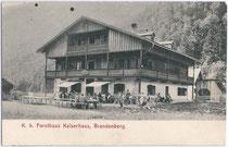 "K. k. Forsthaus (heute Gasthaus) ""Kaiserhaus"", benannt nach Kaiser Franz Joseph I. (1830-1916) in Brandenberg, Bezirk Kufstein, Tirol um 1905. Lichtdruck 9 x 14 cm; Verlag S. Rupprechter, Aschau (Gemeinde Brandenberg).  Inv.-Nr. vu914ld00047"