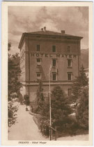 "Hotel ""Mayer"" in der via Michaelangelo Buonarroti in Trento / Trient. Rastertiefdruck 9 x 14 cm; Impressum: Ed(itore). Unterveger, Trento um 1925.  Inv.-Nr. vu914rtd00007"