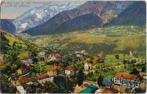 Landeck am Inn mit Parseierspitze (3.036 m.ü.A.) in den Lechtaler Alpen von Südosten. Photochromdruck 9 x 14 cm; Impressum: Purger & Co., München 1911.  Inv.-Nr. vu914pcd00280
