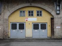Vereinsheim vom INNSBRUCKER VERSCHÖNERUNGSVEREIN in der Ing.-Etzel-Straße / Viaduktbogen 144. Digitalphoto; © Johann G. Mairhofer 2013.  Inv.-Nr. 1DSC06580