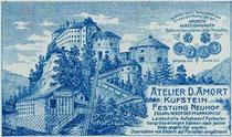 Schienentrasse vom Schrägaufzug auf die Festung Kufstein. Werbevignette des Photographen David Amort. Rückseitendruck auf Untersatzkarton 10,6 x 16,6 cm (Cabinet-Format), wohl 1911.