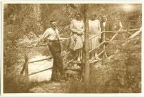 """""""Salvesenschlucht Tarrenz"""". Gelatinesilberabzug 6 x 9 cm; Privatphoto um 1925.  Inv.-Nr. vu609gs00027"""