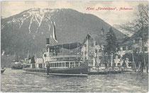 """Dampfschiff """"St. Joseph"""" beim Hotel """"Fürstenhof"""" in Pertisau, Gemeinde Eben, Bezirk Schwaz, Tirol um 1910. Lichtdruck 9 x 14 cm; Impressum: Gebr. Metz, Tübingen. Inv.-Nr. vu914ld00028"""