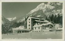 Hotel WIESENHOF, ehemals die WICKBURG der lothringischen Grafen WICKA und heute Polizeischule in Gnadenwald. Gelatinesilberabzug 9 x 14 cm; A(lfred). Stockhammer, Hall in Tirol um 1925.  Inv.-Nr. vu914gs00794