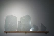 Des bris, 2016, Verre et rhénalon, dimensions variables