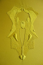 A l'ombre des papillons, (jaune), 2017, broderie sur coton, 40x50 cm. Collection particulière