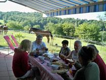 petit déjeuner  sur  terrasse extérieure