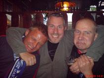Würden Sie diesen drei netten Herren vertrauen? SICHER!