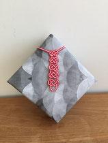 Mizuhiki gift wrapping tie