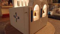 houten sfeerlicht Grieks kerkje met klokjes waxinelichtje uniek bijzonder_11