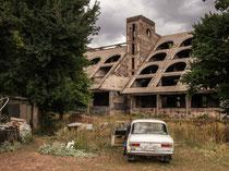 Jermuk, Hotelruine (unbeendet)