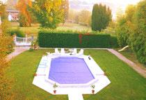 La piscine au petit jour brumeux
