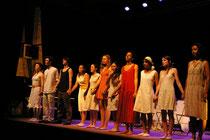 Barrage contre le Pacifique par la troupe du lycée Lamartine