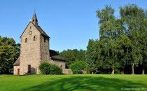 Die Kirche bietet schon von aussen ein imposantes Bild