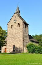 Erbaut aus dem ortstypischen Roten Wesersandstein