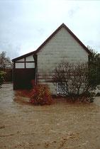 Alte Fachwerkbauten werden durch das Wasser auf Monate geschädigt.