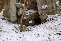 Ruinenreste ehemaliger Rüstungsstätten. Der Versuch sie restlos zu sprengen schlug fehl.