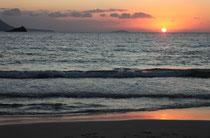 Sonnenuntergang am Strand von Agios Nikolaos