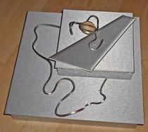 Große Schmuckschatulle mit Aluminiumdraht-Dekor silber