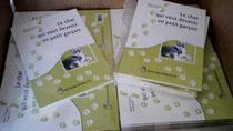 """Arrivage en direct de l'imprimeur de la réédition du livre """"Le chat qui veut devenir un petit garçon"""" écrit par Marie-Françoise Bongiovanni et illustré par Cloé Perrotin chez BENJULİCE Éditions"""